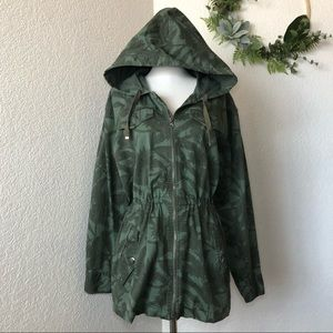 GAP • Green floral Trench coat